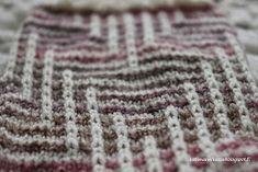 Koti männikössä: Kerrosrivinousu Ludvig Knitting Socks, Friendship Bracelets, Mosaic, Blanket, Crochet, Fashion, Patterns, Knit Socks, Moda