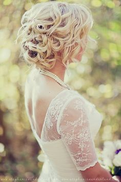Fall wedding. Wedding Day Jewelry. Vintage wedding dress. Birdcage wedding headpiece. Vintage bride.