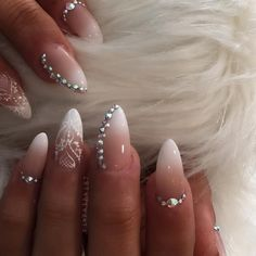 Nail art. Ombre French tips