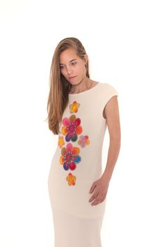 """VESTIDO """"SÁI PUKU"""" Armonía natural Diseño sencillo de carácter fino en algodón orgánico 100% certificado GOTS con decoración detalles floral de artesanía """"ñandutí"""". #moda #sostenible"""