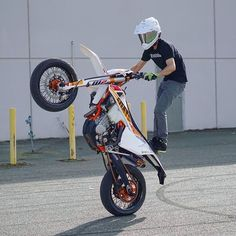 Supermotokuskit kädet ylös! #supermoto #motorcycling
