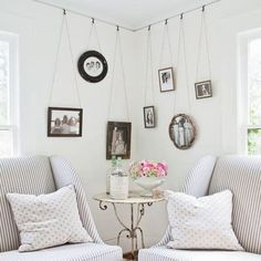 Wall corner decoration ideas modern interior decorating ideas for cozy room corner decorating wall corner design Southern Living, Curtain Hangers, Corner Wall, Bedroom Corner, Art Corner, Side Wall, Master Bedroom, Cool Apartments, Cozy Room