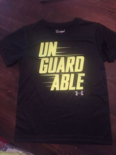 73768af1b NWT Under Armour Heat Gear Boy's Black/Green Heat Gear T-Shirt Size 6 (S/XS)