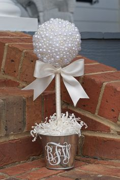 PEARL Topiary for weddings parties home. Topiary Centerpieces, Wedding Centerpieces, Wedding Decorations, Christmas Diy, Christmas Ornaments, Deco Table, First Communion, Christening, Paper Flowers