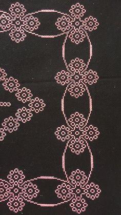 Embroidery Flowers Pattern, Flower Patterns, Embroidery Stitches, Embroidery Designs, Cross Stitch Designs, Cross Stitch Patterns, Cross Stitch Boards, Tapestry Crochet, Cross Stitch Flowers