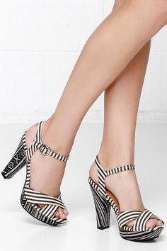 guatemala printed heels