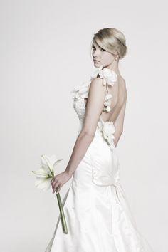 Hochzeitskleid by Ella Deck Couture Girls Dresses, Flower Girl Dresses, High Fashion, Wedding Dresses, Haute Couture, Fashion, Marriage Dress, Hamburg, Gowns