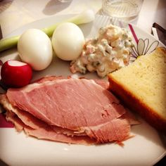 Easter croatian breakfast :) Croatian Cuisine, Croatian Recipes, Hotel Food, Easter, Cheese, Dishes, Meat, Breakfast, Morning Coffee