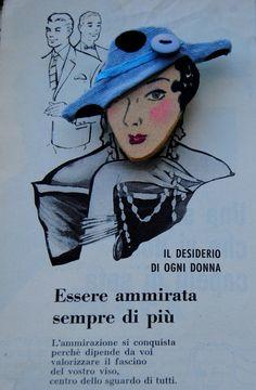Spilla in legno dipinta a mano con cappello a tesa in cotone a pois (il tessuto è originale degli anni 30) - Emma 1938 : Spille di Refuse