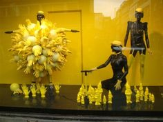great article - and I hadn't seen the inflated rubber gloves before either - win-win 5 Tips for Visual Merchandising In Your Business