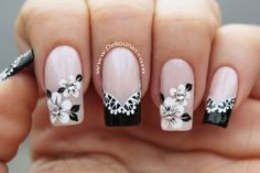 Decoracion de uñas flores blanco y negro Funky Nail Designs, Simple Designs, Cool Designs, Christmas Nail Art Designs, Christmas Nails, Manicure, Casino Decorations, Funky Nails, Black Nails