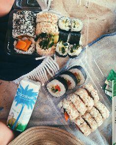 Pinterest: @emilytos Pinterest: KayCosettee Snapchat: Kaycosette Food Goals, Healthy Snacks, Healthy Eating, Healthy Recipes, Food Photography, Food Snapchat, I Love Food, Good Food, Vegan Picnic