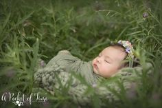 Outdoor Baby Pictures, Outdoor Newborn Photos, Outdoor Newborn Photography, Newborn Pictures, Time Photography, Newborn Pics, Boy Newborn, Newborn Shoot, Photography Props