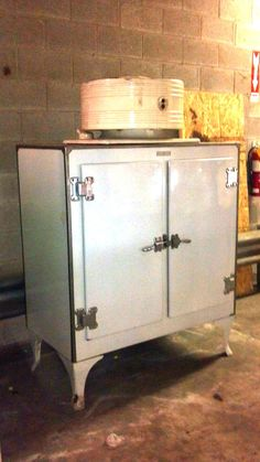 Double door monitor top fridge