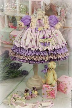 Купить или заказать ' Сиреневое утро' комплект для куклы в интернет-магазине на Ярмарке Мастеров. МАСТЕР-КЛАССЫ и ВЫКРОЙКИ www.livemaster.ru/arishaskazka2 Это комплект для моей новой куклы . Выполнен в свежих нежных-сиреневых оттенках. Одежду не продаю ,выложила для оформления витрины магазина.