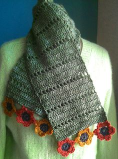 Simple Rhythm Scarf w/optional flowers: free pattern
