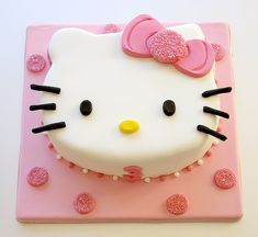Hello Kitty Cake always a good choice for that special Girl's Day -Stylish Eve Hello Kitty Torte, Bolo Da Hello Kitty, Hello Kitty Fondant, Hello Kitty Cupcakes, Hello Kitty Theme Party, Hello Kitty Birthday Cake, Hello Kitty Themes, Pretty Cakes, Cute Cakes
