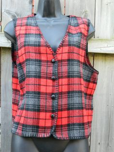 Vintage Red and Black Plaid Willow Ridge Vest / Layering Vest / Womens Medium Sweater Vest by VintageBaublesnBits on Etsy