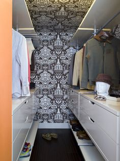 Fascinating Ikea Closet Design for Main Closet Design of Bedroom: Adorable Modern Closet Idea Beautified With Brown Patterned Wallpaper Cove. Small Closet Design, Walk In Closet Small, Walk In Wardrobe, Closet Designs, Wardrobe Design, Narrow Closet, Open Closets, White Wardrobe, Pax Wardrobe