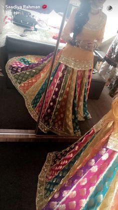 Chatapatti sharara Pakistani Fashion Party Wear, Pakistani Wedding Outfits, Indian Bridal Fashion, Indian Fashion Dresses, Pakistani Wedding Dresses, Pakistani Dress Design, Bridal Outfits, Bridal Mehndi Dresses, Bridal Dress Design