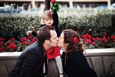 Top 16 Family Christmas Pictures – Creative New Year Eve Image Photography Idea - HoliCoffee Family Christmas Pictures, Holiday Photos, Holiday Fun, Holiday Cards, Family Photos, Christmas Cards, Family Posing, Xmas Pics, Christmas Quotes
