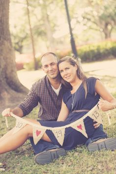 Cute save the date photo idea -  engagement session by markdickinsonphotography.com