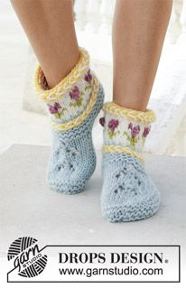 Socks & Slippers - Free knitting patterns and crochet patterns by DROPS Design Knitting Blogs, Knitting Socks, Knitting Patterns Free, Free Knitting, Knitting Projects, Crochet Patterns, Knitted Slippers, Wool Socks, Crochet Slippers
