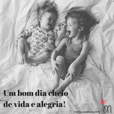 Bom dia!Um final de semana abençoado e repleto de alegria e vida para todas as famílias! Pois filhos é sinônimo de casa com muitaaaa vida e muitaaaaaa alegria! Bóra curtir o final de semana! #bomdia #finaldesemana #sabado #familia #diadecurtirafamilia #casacomalegriaevida #filhos #maternidade
