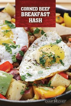 Try this corned beef breakfast hash if you're looking for a breakfast that stands out. Hearty and delicious, this meal will keep you going all day long. Corned Beef Hash, Corned Beef Recipes, Bacon Recipes, Pellet Grill Recipes, Grilling Recipes, Gourmet Recipes, Smoker Recipes, Breakfast Sandwich Recipes, Breakfast Hash