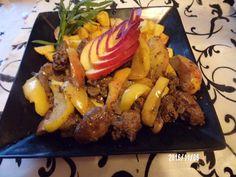 Almás csirkemáj rozmaringos sült burgonyával