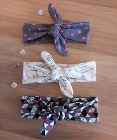 DIY: Haarband selber nähen – für Babys und Erwachsene Are you currently looking for a gift for a cute mouse or are you looking for the icing on the cake for an outfit for your sweetheart? Then you have to look at these cute hair bands! And… Outfits Sewing Hacks, Sewing Tutorials, Sewing Patterns, Sewing Tips, Clothes Patterns, Sewing For Kids, Free Sewing, Hand Sewing, Diy Bebe