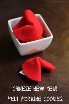 Chinese New Year Crafts For Kids, Chinese New Year Decorations, New Years Decorations, New Year's Crafts, Holiday Crafts, Diy Crafts, Chinese Birthday, Wool Felt, Felted Wool