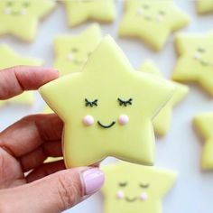 Home Decor 2018 Baby shower cookies - twinkle little star theme. Decor 2018 Baby shower cookies - twinkle little star theme. Star Sugar Cookies, Christmas Sugar Cookies, Fancy Cookies, Iced Cookies, Cute Cookies, Royal Icing Cookies, Kawaii Cookies, Iced Biscuits, Cupcakes
