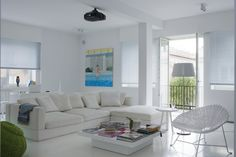 Flexform sectional available at MOOD showroom, Warsaw. #mood #whitesofa #white #sectional #flexform