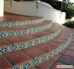 Continuing my Mexican tile and brick obsession. This combination just works together, especially when the tiles include blue! I love the shape of this outdoor staircase as well. Hacienda Style, Porch Tile, Terracotta Floor, Tile Stairs, Spanish Style Homes, Outdoor Tiles, Exterior Stairs, Patio Tiles, Tiled Staircase