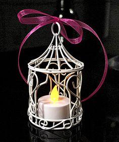 Mini cage à oiseaux métal blanc photophore - A utiliser en tant que photophore ou pour y placer vos pochons à dragées, cette petite tonnelle sublimera votre décoration de mariage ! http://www.mariage.fr/mini-tonnelle-metal-cage-a-oiseaux-mariage.html
