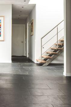 #woonkamer #living #natuursteen #naturalstone #vloer #floor #flooring #tiles #tegels #fossiel #fossil #interieur #interior #interieurdesign #interiordesign
