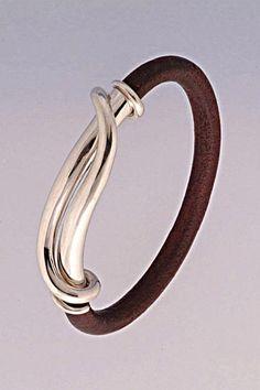 SIMON MUSCAT Gem Carver, Goldsmith, Sculptor - Yoko Mojo bracelet