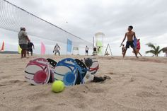 Tennis pro's trying their hand on BEACH TENNIS!