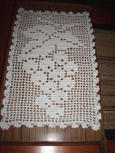 images of free crochet filet charts Crochet Table Runner Pattern, Crochet Placemats, Crochet Doilies, Doily Patterns, Afghan Crochet Patterns, Crochet Squares, Crochet Diy, Crochet Home, Filet Crochet Charts