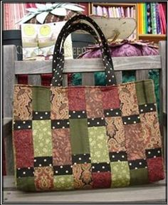 NEW Sausalito Tote Pattern.in stock. Patchwork Bags, Quilted Bag, 6 Pack Bag, Japanese Bag, Tote Pattern, Bag Patterns, Quilting Patterns, How To Purl Knit, Simple Bags