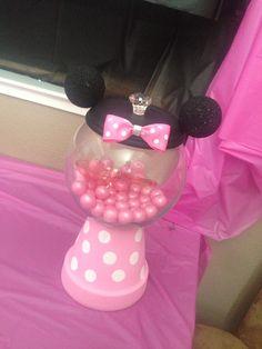 Minnie Mouse bubble gum machine