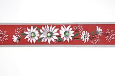 Vintage Wallpaper Border - TRIMZ - White Daisies on Red
