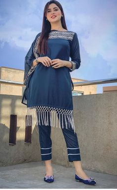 Pakistani Fashion Party Wear, Indian Fashion Dresses, Fashion Outfits, 3d Fashion, Casual Dress Outfits, Womens Fashion, Stylish Kurtis Design, Stylish Dress Designs, Beautiful Pakistani Dresses