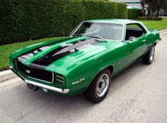 1969 Chevrolet Camaro SS! This is my dream car well 1 of em I want it black w/ white going down the top. Bucket seats, & turbo #sscamaro #Oldie #1969camaro