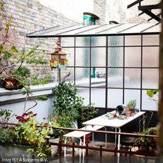 Im Frühling beginnt die Draußen-Saison: Der Balkon, Garten und die Terrasse werden zum Lieblingsplatz und zu einem weiteren Zimmer im Freien. Um im sonnigen Plätzchen…