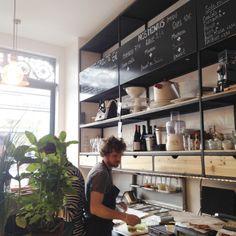 Cheri Charlot is a sandwich shop, a grocery store, a coffee shop and a wine shop // #chericharlot #sandwich #shop #grocery #store #coffee #wine #takeaway #paris #ruericher #food #fooding #good #yummyfood