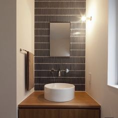 Tiny House Bathroom, Bathroom Toilets, Washroom, Small Toilet Room, Washbasin Design, Restroom Design, Room Planning, Interiores Design, Interior Architecture