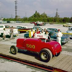 1962 drag race looks like a movie set This 1962 drag race looks like a movie setThis 1962 drag race looks like a movie set Vintage Racing, Vintage Cars, Vintage Auto, Antique Cars, 32 Ford Roadster, Drag Bike, Drag Cars, Drag Racing, F1 Racing