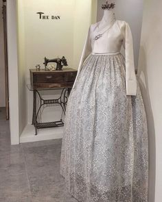 Our haute couture, beautiful The Dan Hanbok. Made just for you, for your special day. Hanbok Wedding, Korean Wedding, Traditional Outfits, Dress Outfits, High Waisted Skirt, Wedding Dresses, South Korea, Clothes, Collection